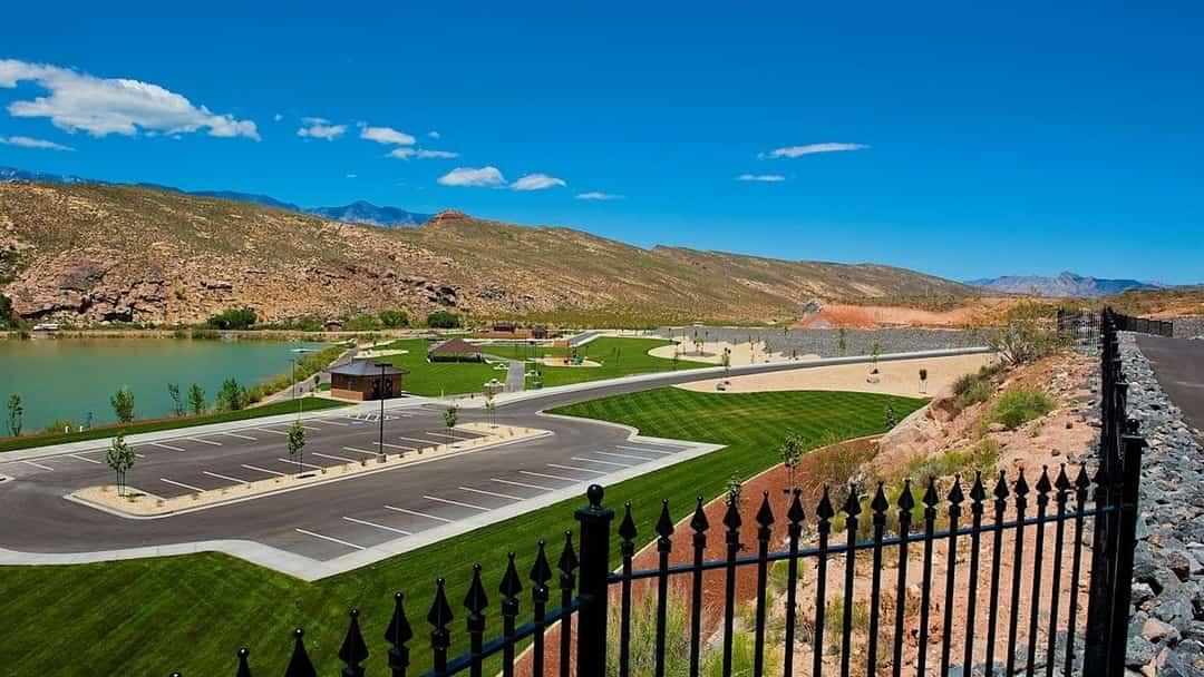 Park Side at Grandpas Pond
